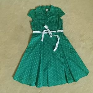 Green and white polkadot pinup dress- Sz M